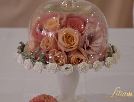 Wedding decoration in coral and peach
